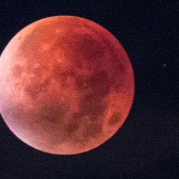 Luna de Sangre – El Eclipse mas Largo del Siglo